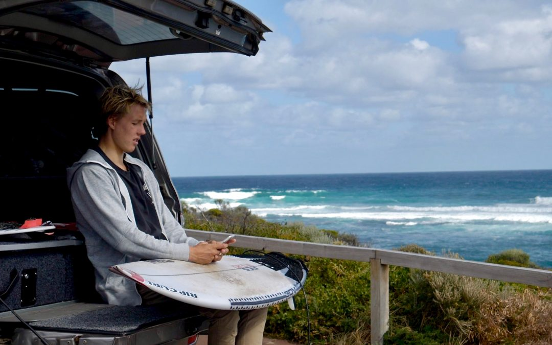 SURFING WA CONTINUES TO PROMOTE #NOTXTNOWRECKS THANKS TO SUPPORT FROM THE WA ROAD SAFETY COMMISSION