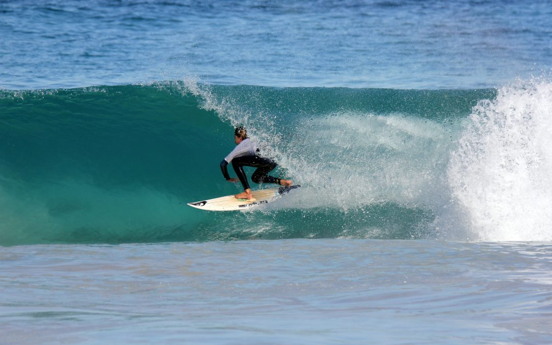 THE BEST SCHOOLS IN THE WEST PREPARE TO DO BATTLE AT THE SUNSMART WA SCHOOL SURFING TITLES STATE FINAL