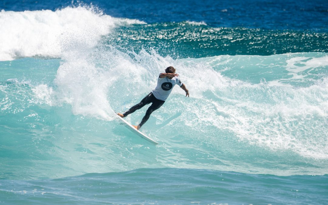 Victorian surfing pioneers duel it out on Phillip Island